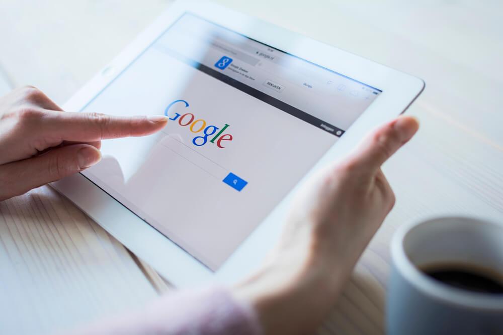 Quer atrair mais clientes para o seu salão de beleza? Veja quando anunciar no Google se torna uma excelente ferramenta para o seu negócio!